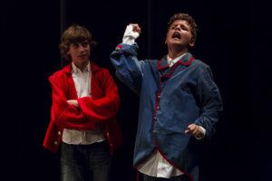 Chavales,¿ a qué esperáis? Alistaros a las filas del Taller de Teatre, ¡por la virgen santísma!